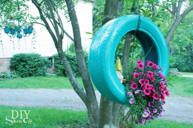 Hanging upcycled flower planter